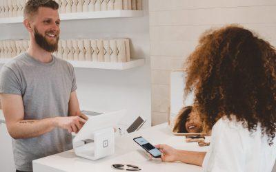 Sprzedawca – mikroinfluencer Twojej marki